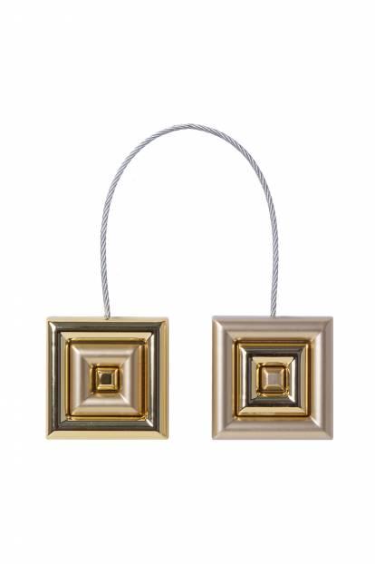Квадратен магнит за завеса с релефен корпус от злато мат и сребро