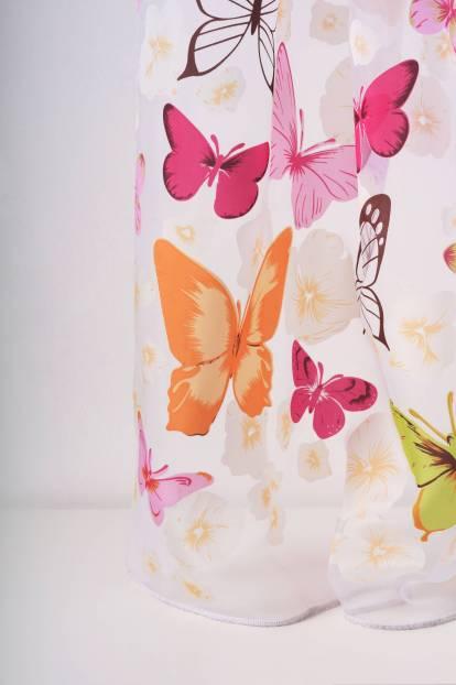 Ефирно деворе с пеперуди и цветя