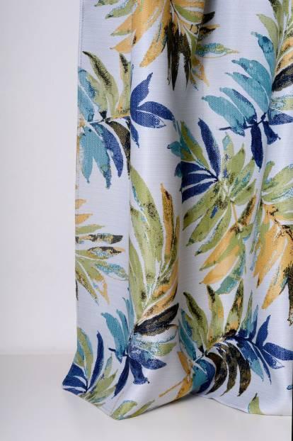 Плътна завеса с листа