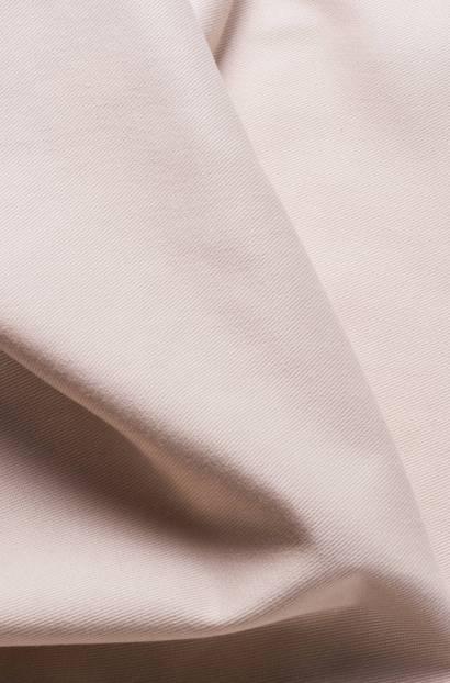 Плътен текстил подходящ за завеса и покривки