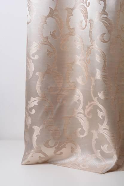 Плътна завеса с винтидж орнаменти с лъскава нишка