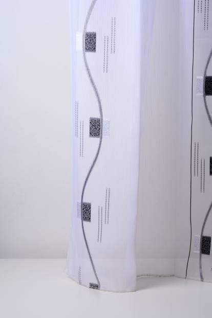Полупрозрачен воал със спирали и квадрати