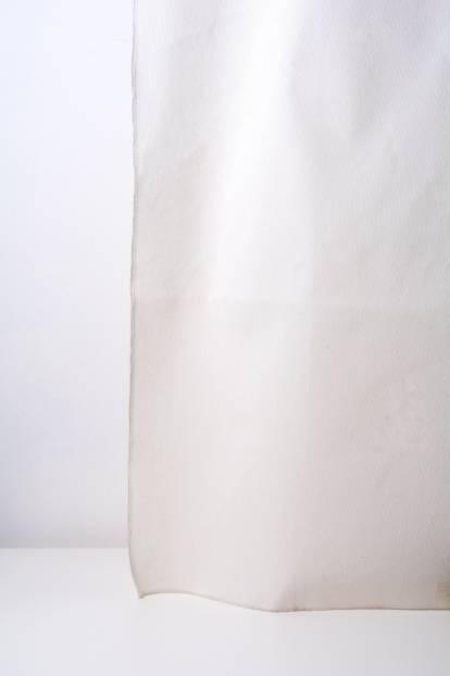 Плътна завеса в бяло дюс