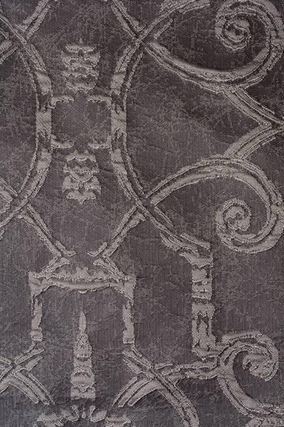 Плътна завеса с фигура