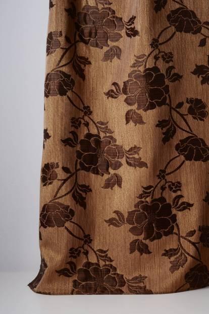 Плътна завеса с флорални шарки