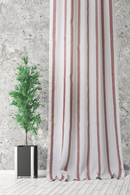 Завеса от лен с вертикални райета