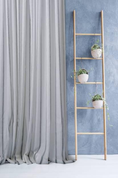Ленена завеса с вертикални райета