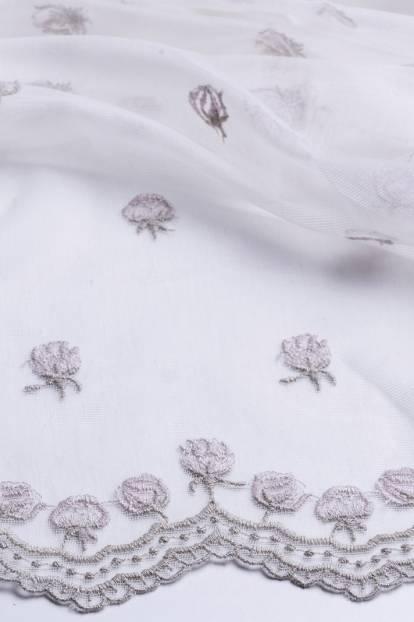 Дантела с декоративен завършек и цветя