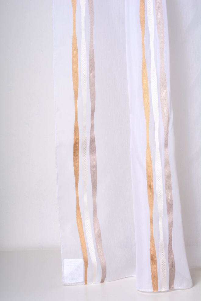 Полупрозрачен дюс с вертикални райета