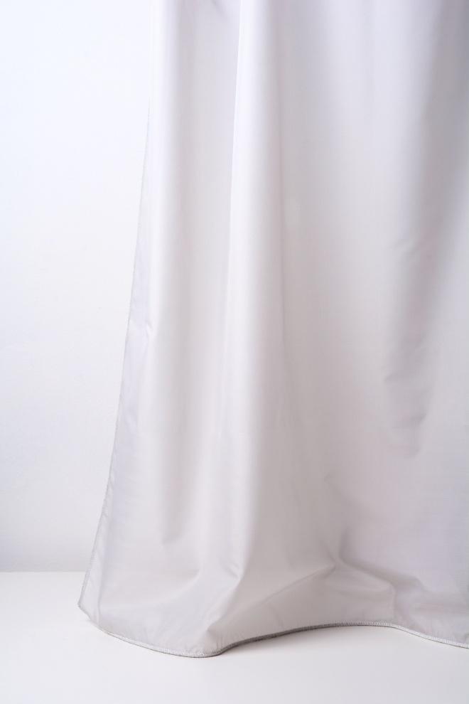 Мек дюсов воал с оловна нишка и перлен блясък