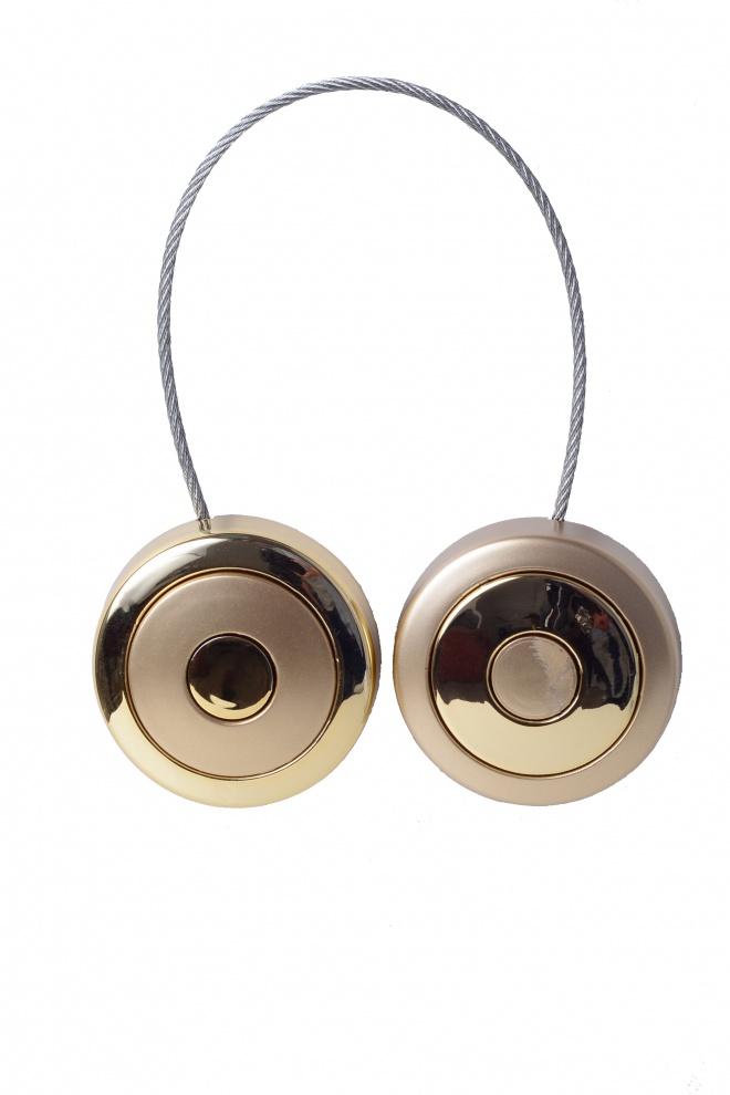 Кръгъл магнит за завеса с релефен корпус от сребърно матово покритие и никел