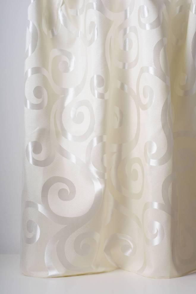Плътна мека завеса с орнаменти