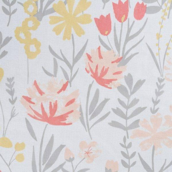 Полупрозрачно перде с шарени цветя