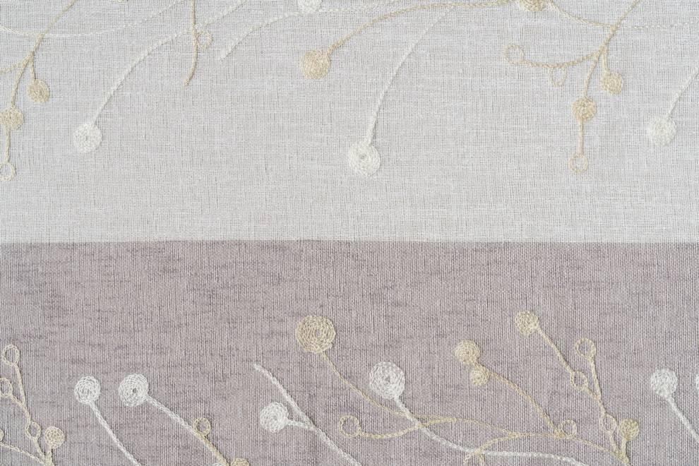 Завеса с два цвята и бродирани елементи