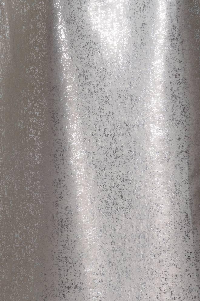 Плътна мека завеса със сребърен отблясък