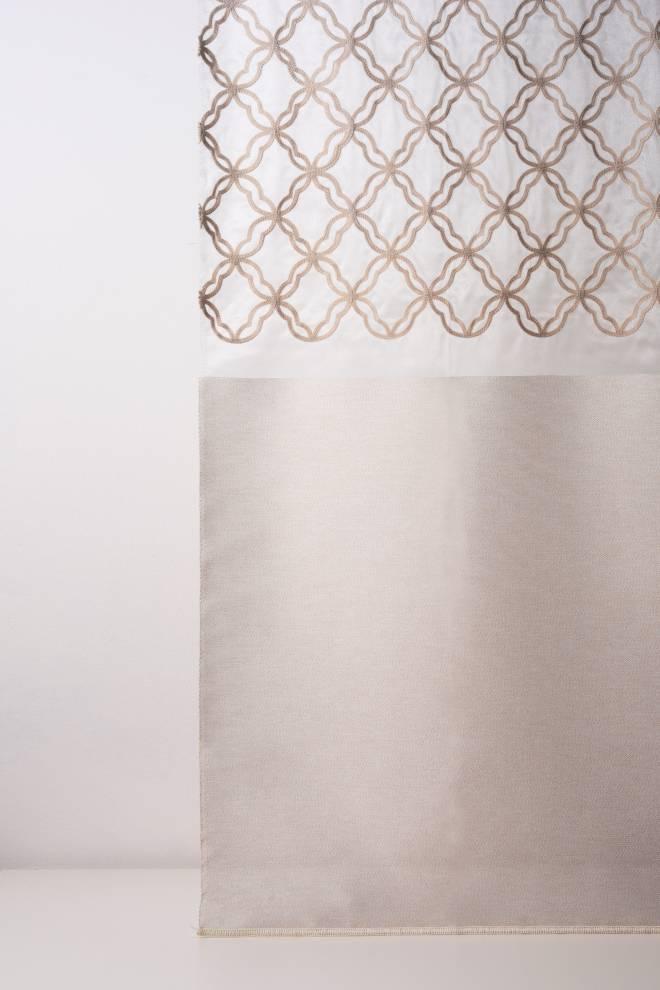 Мрежа дюс с бродирани фигури