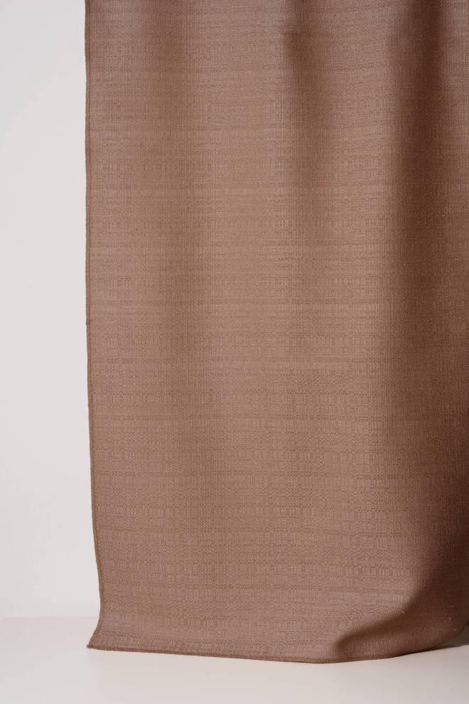 Плътна завеса с текстура