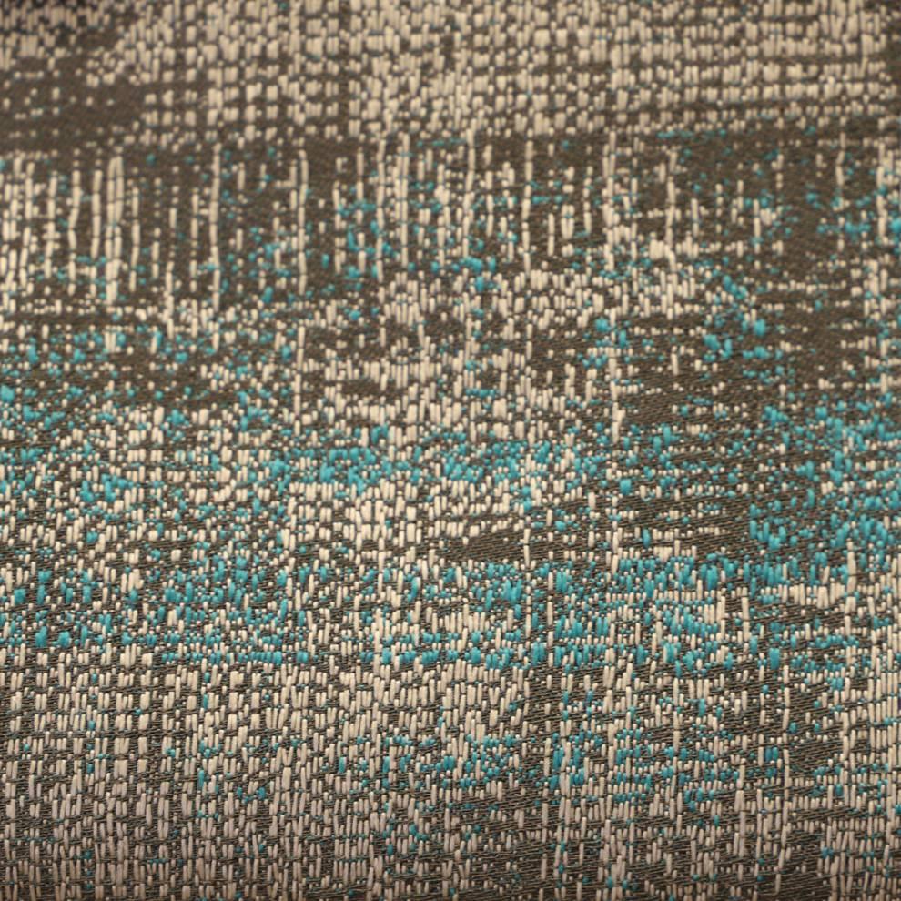 Плътна завеса с втъкани нишки