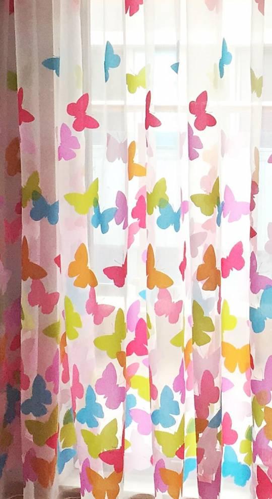 Деворе с пеперуди в розово