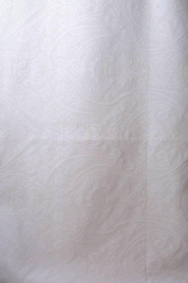 Жакардова завеса  с релефни орнаменти
