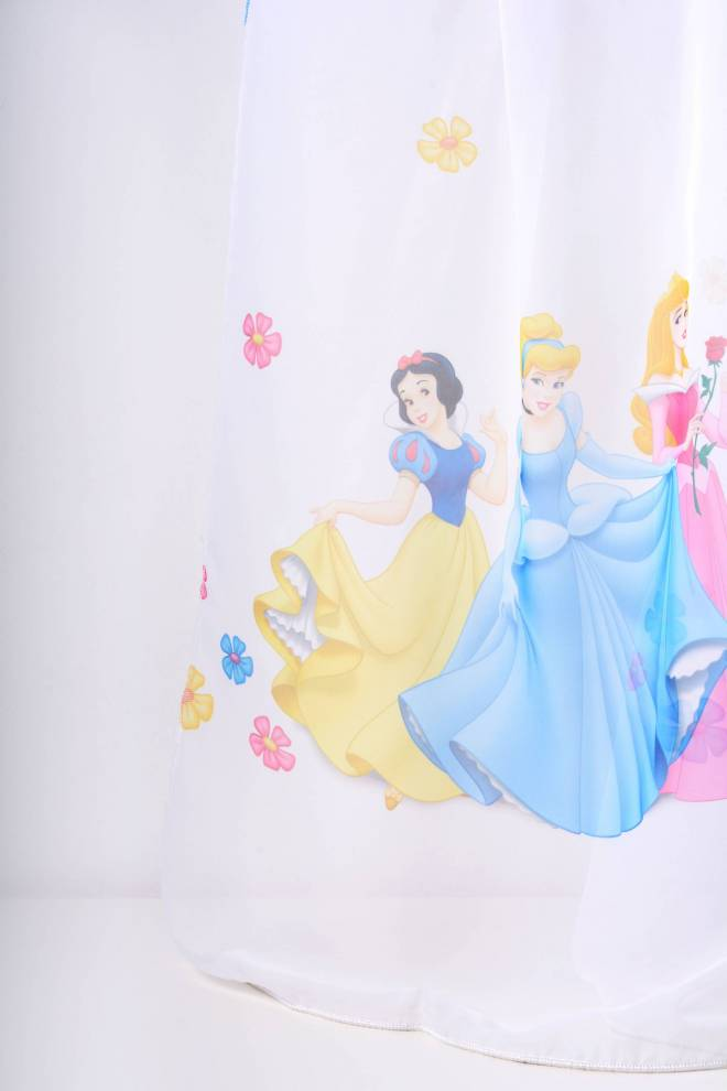 Принцеси, детско перде