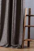 Плътна завеса с релефна фигура